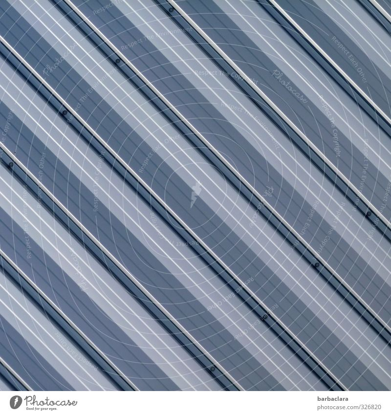 grafisch | Akkuratesse Fabrik Gebäude Mauer Wand Fassade Metall Kunststoff Linie Streifen einfach fest hell kalt modern blau grau weiß Sicherheit Schutz Ordnung