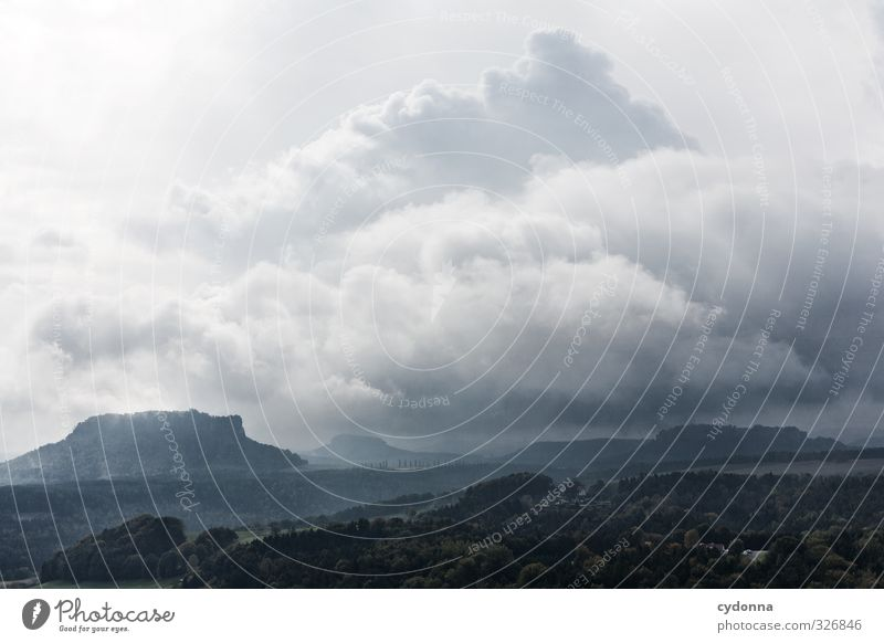 Weites Land Ferien & Urlaub & Reisen Tourismus Ausflug Abenteuer Ferne Freiheit Berge u. Gebirge wandern Umwelt Natur Landschaft Wolken Gewitterwolken Sommer