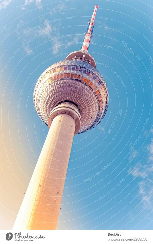 Der Fernsehturm in der Hauptstadt Berlin Ferien & Urlaub & Reisen Tourismus Sommer Fernsehen Himmel Wolken Stadt Stadtzentrum Skyline Hochhaus Kirche Gebäude