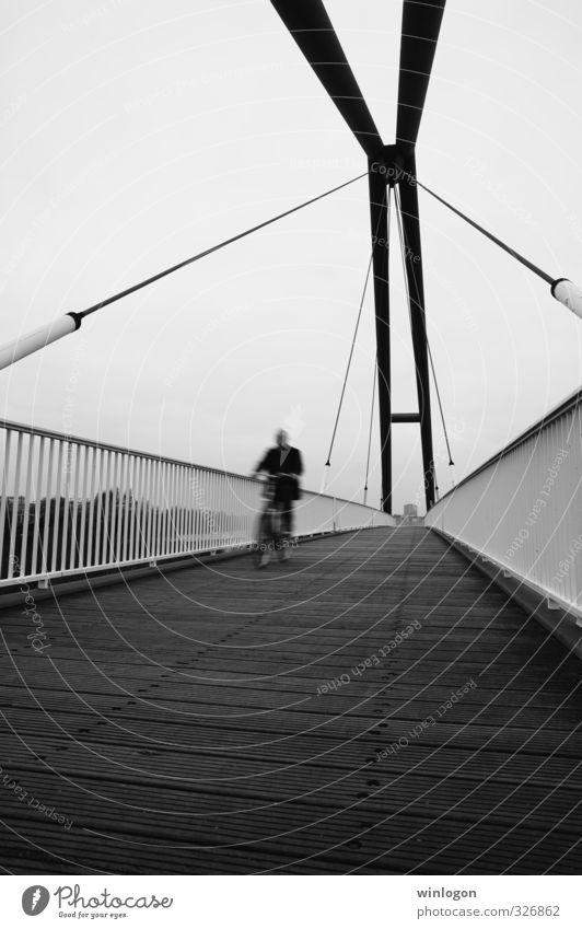 Fahrradfahrer Mensch Jugendliche Mann weiß Freude 18-30 Jahre schwarz Erwachsene Senior Sport Gesundheit Freizeit & Hobby maskulin Lifestyle Verkehr