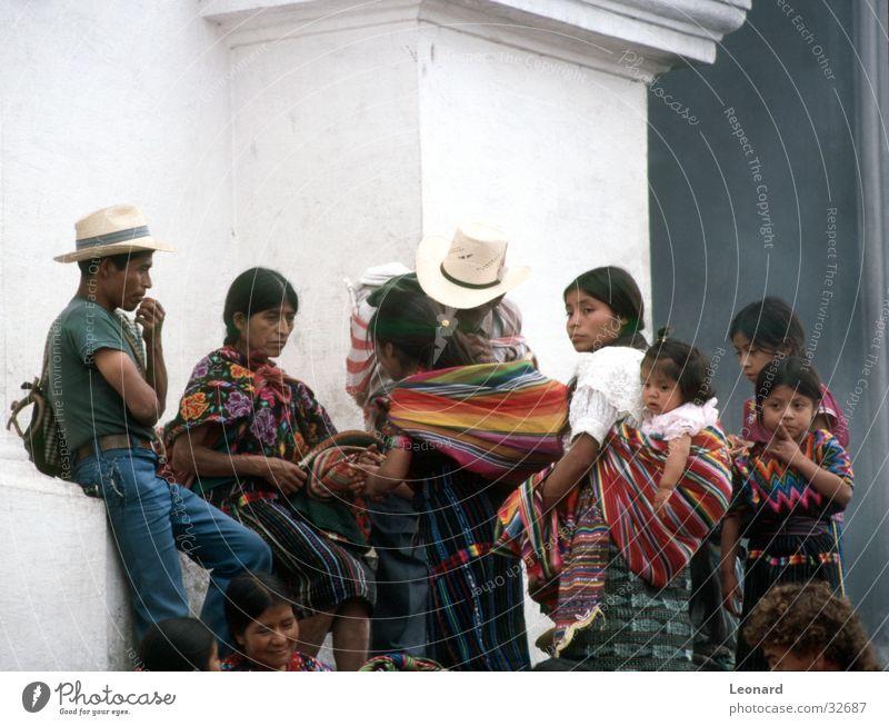 Maya leute Mann Frau Kind Mädchen Ethnologie Guatemala Mensch Familie & Verwandtschaft Menschengruppe Junge kulture Farbe Südamerika man woman child boy hat