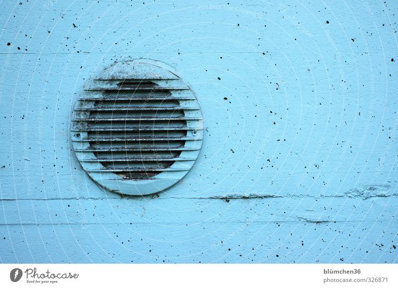 Luft für die Umkleide Farbe Wand Sport Mauer Schwimmen & Baden Arbeit & Erwerbstätigkeit Freizeit & Hobby dreckig einfach rund Schwimmbad hell-blau Schacht Freibad Lüftung gestrichen