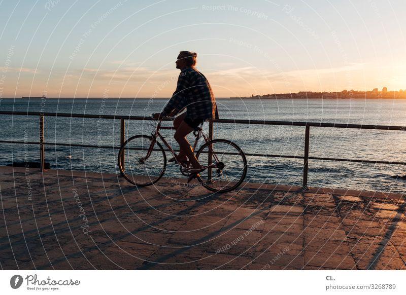 radeln Mensch Ferien & Urlaub & Reisen Jugendliche Mann Sommer Junger Mann Meer Erholung Ferne Gesundheit 18-30 Jahre Lifestyle Erwachsene Wege & Pfade Sport