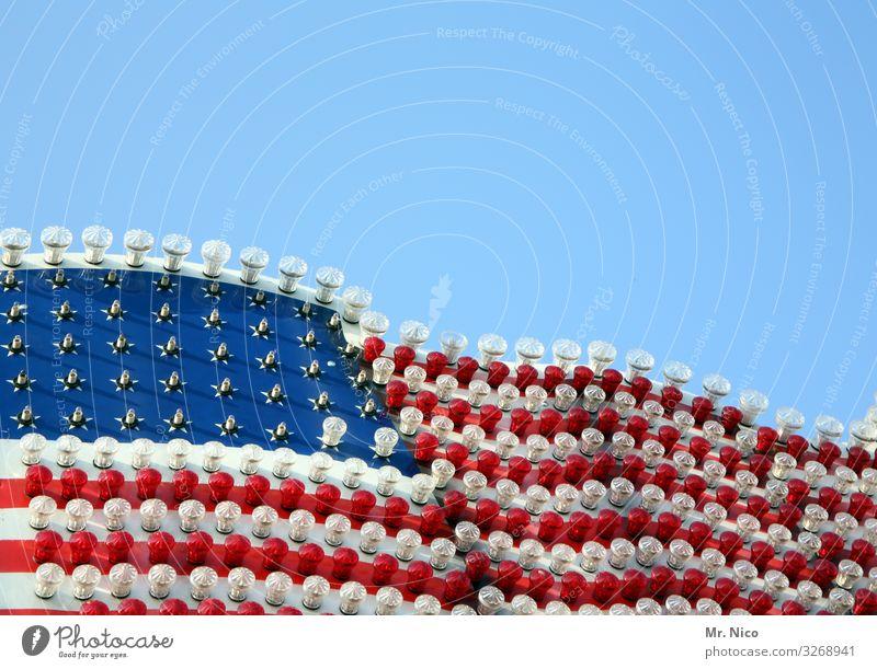 US Rummel Wolkenloser Himmel rot weiß USA Stars and Stripes Glühbirne Jahrmarkt Ferien & Urlaub & Reisen Auswanderer Kontinente Freiheit Tourismus Abenteuer