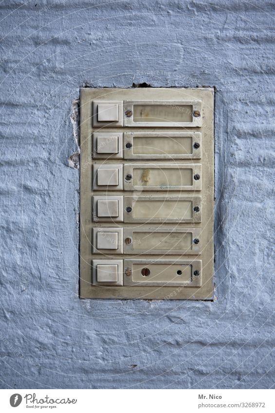 en d´r Nohbarschaff Einsamkeit Wand Gebäude Mauer Fassade Häusliches Leben trist Umzug (Wohnungswechsel) Eingang Nachbar anonym Klingel Leerstand
