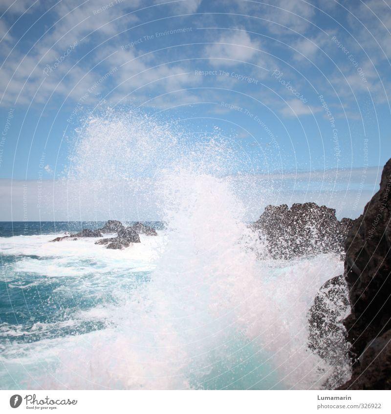 Erfrischung Umwelt Landschaft Urelemente Erde Luft Wasser Wassertropfen Himmel Wolken Horizont Sommer Schönes Wetter Felsen Küste Meer hoch kalt nass natürlich
