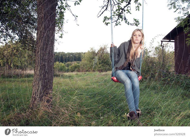 #326928 Stil Freizeit & Hobby Spielen Sommerurlaub Junge Frau Jugendliche Leben 1 Mensch Natur Landschaft Pflanze Baum Wiese Mode blond Erholung träumen