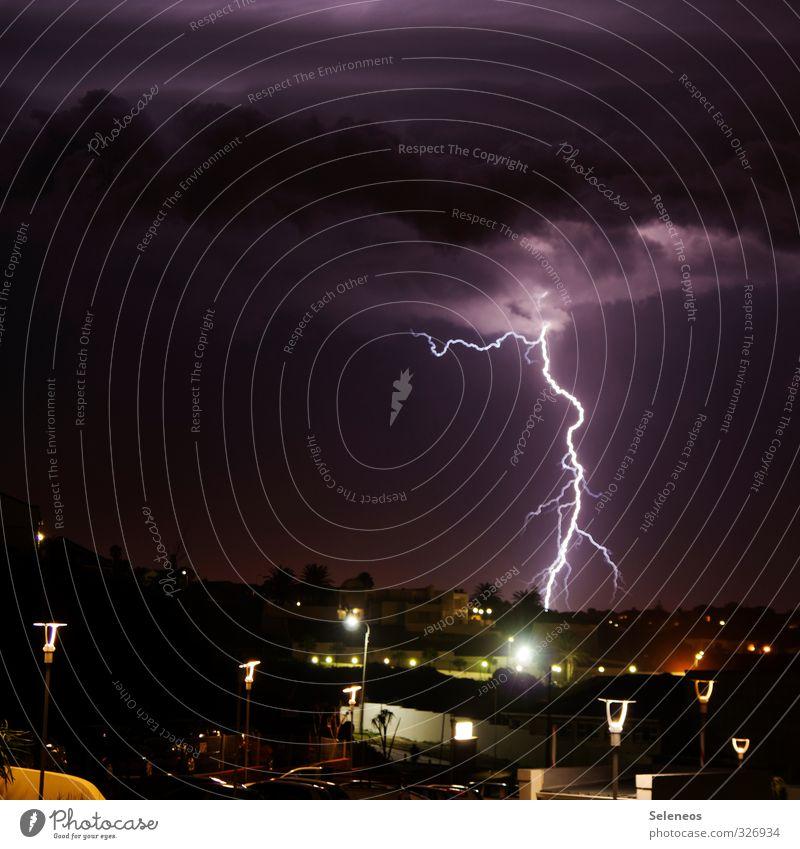 little thunderstorm Umwelt Natur Himmel Wolken Nachthimmel Horizont Sturm Gewitter Blitze Kleinstadt Stadt Haus Gebäude hell Farbfoto Außenaufnahme Menschenleer