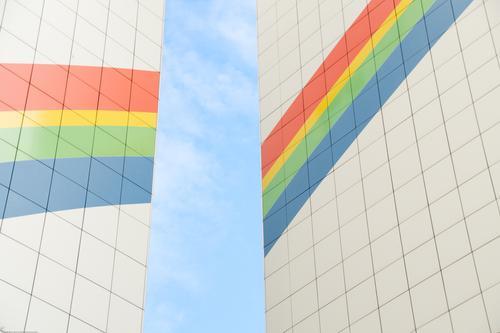 Regenbogenfarben Fassade Himmel Schönes Wetter Brandmauer Dekoration & Verzierung Fassadenverkleidung Linie Streifen eckig fest oben positiv Wärme Stimmung