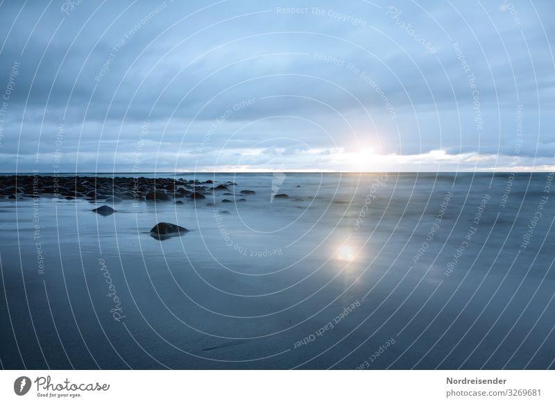 Stille Ferien & Urlaub & Reisen Abenteuer Ferne Freiheit Meer Natur Landschaft Urelemente Wasser Himmel Wolken Sonne Sonnenaufgang Sonnenuntergang Klima Küste