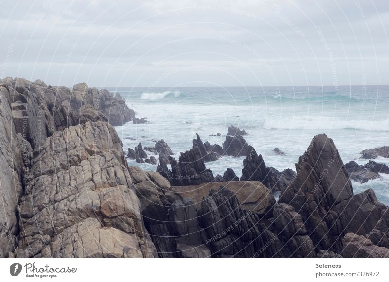 Ecken und Kanten Ferien & Urlaub & Reisen Tourismus Ausflug Abenteuer Ferne Meer Wellen Umwelt Natur Landschaft Wasser Himmel Wolken Horizont Küste kalt nass