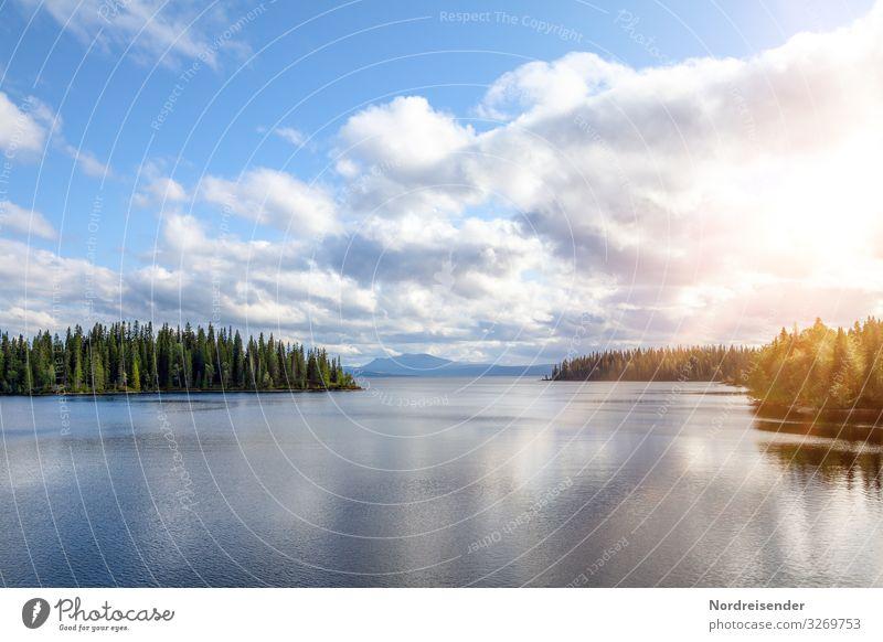 Weites Land Himmel Ferien & Urlaub & Reisen Natur Sommer Wasser Landschaft Sonne Baum Erholung Wolken ruhig Wald Ferne Berge u. Gebirge Hintergrundbild