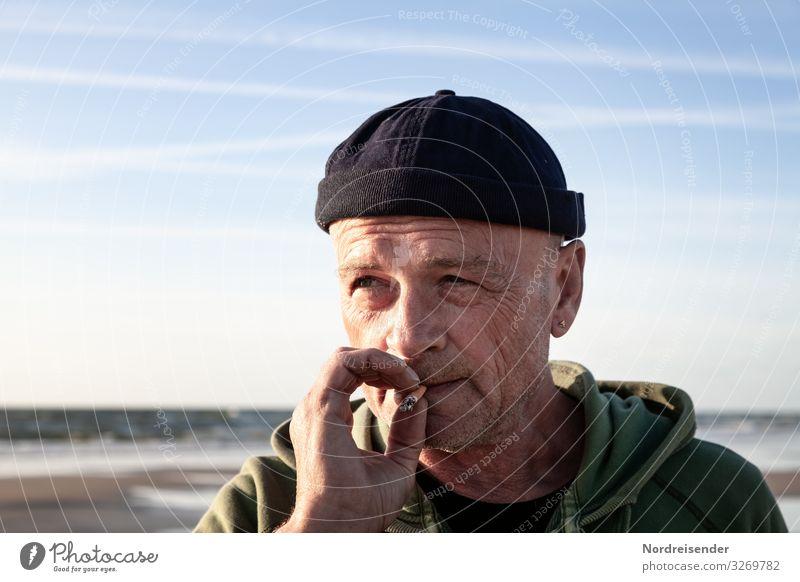 Den Überblick behalten Ausflug Freiheit Mensch maskulin Mann Erwachsene Kopf Hand 1 60 und älter Senior Natur Himmel Sonne Frühling Sommer Schönes Wetter