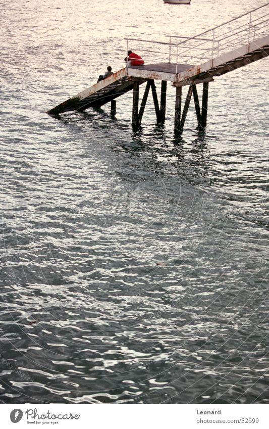 Seehafen Anlegestelle Wasserfahrzeug Meer Portwein Mensch quai Hafen Treppe schreiten water sea harbour young stair