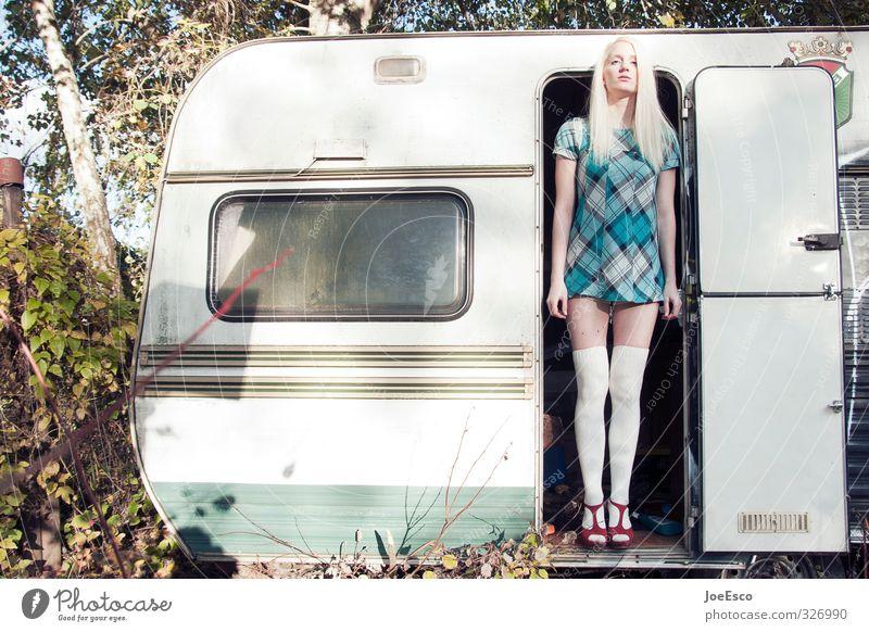 #326990 Mensch Frau Ferien & Urlaub & Reisen schön Erwachsene Ferne Freiheit Mode Freizeit & Hobby blond Idylle warten Lifestyle stehen Fröhlichkeit Ausflug