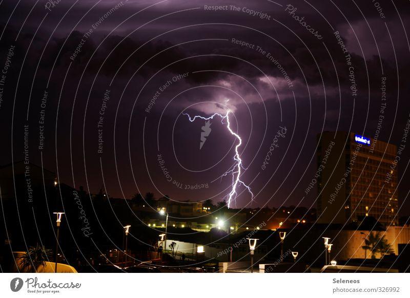 Lichtader Himmel Natur Stadt Wolken dunkel Umwelt natürlich Horizont bedrohlich Urelemente Skyline Blitze Gewitter Nachthimmel gigantisch Gewitterwolken