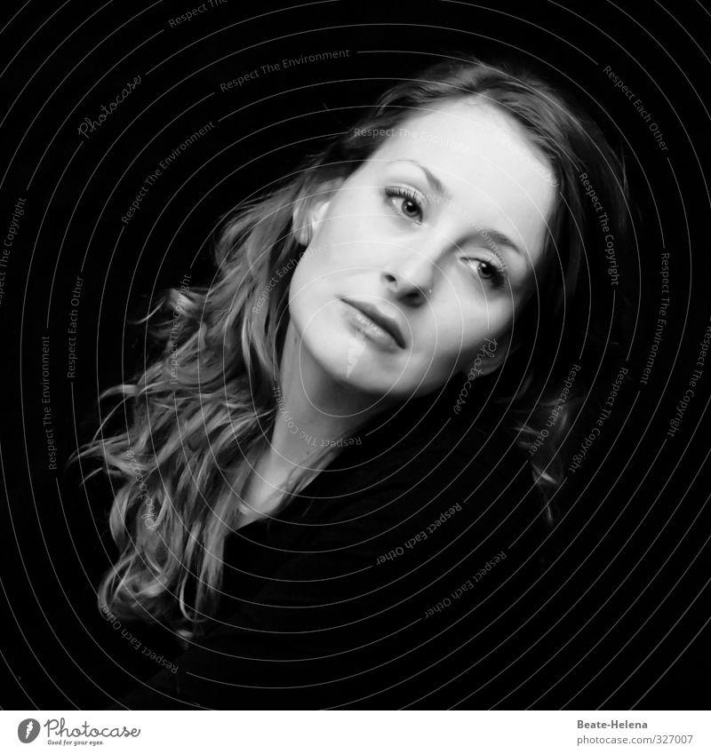 300 / Einfach schön ... Gesicht feminin Junge Frau Jugendliche 18-30 Jahre Erwachsene blond rothaarig langhaarig Denken Blick warten ästhetisch außergewöhnlich