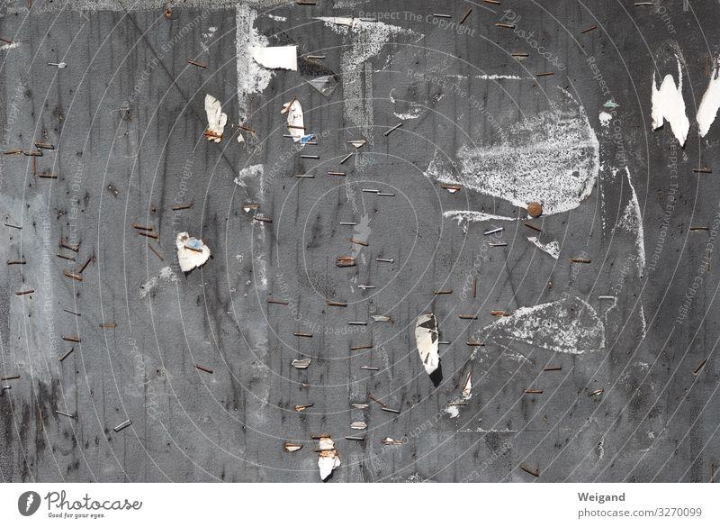 Plakatwand Arbeitsplatz Büro Baustelle Arbeit & Erwerbstätigkeit grau schwarz Wand Klammer frei Freiraum Gedeckte Farben Außenaufnahme Menschenleer