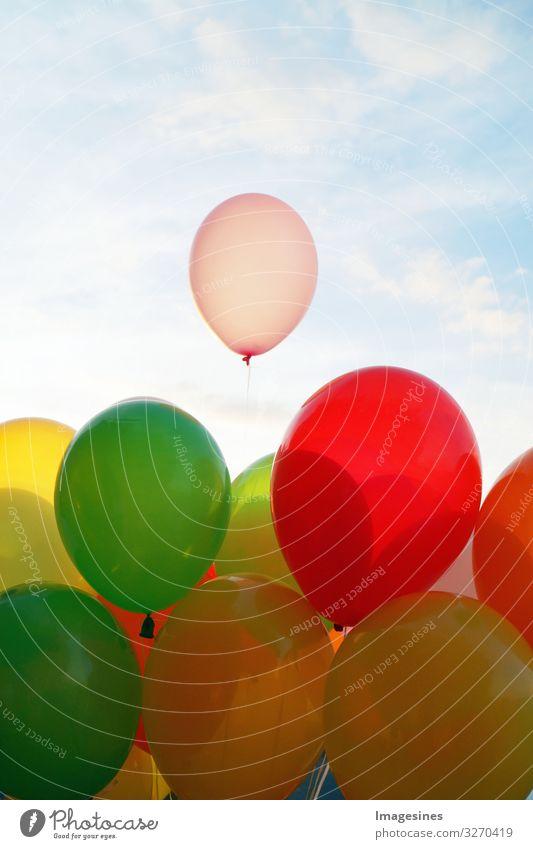 """Ballons Lifestyle Freude Glück Freizeit & Hobby Feste & Feiern Valentinstag Hochzeit Geburtstag Partystimmung Liebesgruß Luftballon Lebensfreude """"leben feiern"""