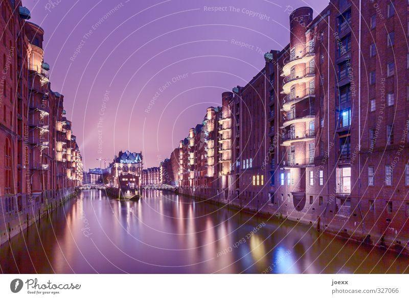 Mehr Speicher Himmel blau alt Stadt schön Wasser Haus gelb Fenster Architektur Fassade groß Schönes Wetter hoch Hamburg historisch