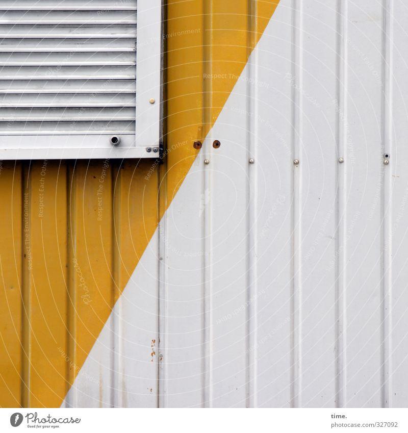Ecke Flanke Aus Stadt weiß gelb Fenster Wand Mauer Metall Fassade Design Grafik u. Illustration Kunststoff Hütte trashig diagonal eckig Oberfläche