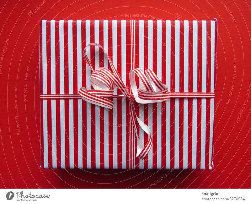 Geschenk Dekoration & Verzierung Schleife Weihnachtsgeschenk Geschenkband Geschenkpapier einzigartig rot weiß Gefühle Freude Vorfreude Sympathie Neugier