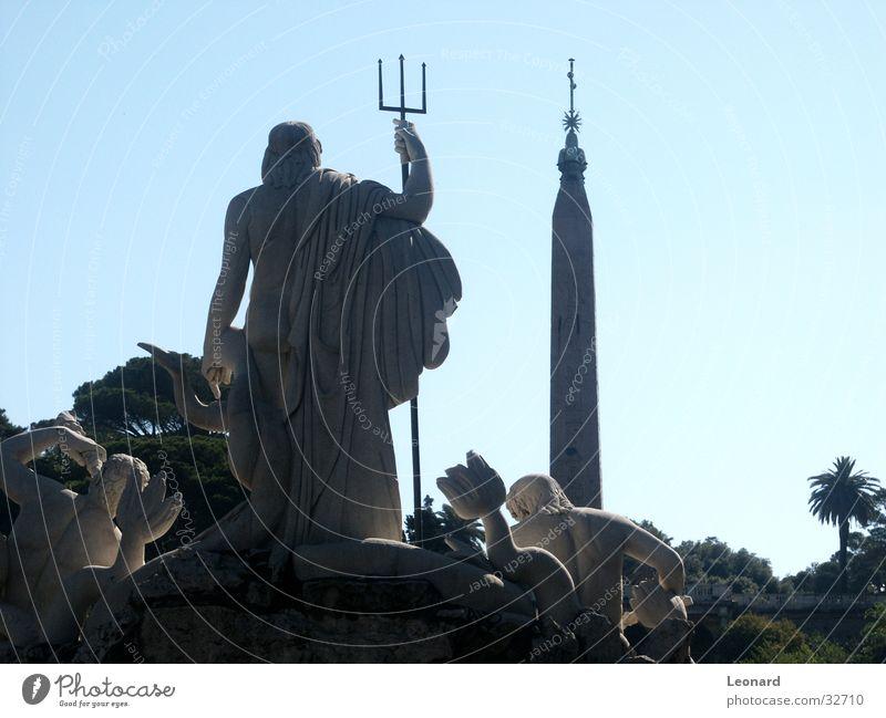 Neptun Denkmal Statue Skulptur historisch Bildhauerei Mythologie Kunst Rom Italien Handwerk Stein mann gott fountain sculpture