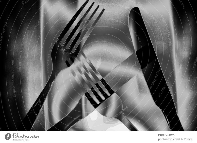 Messer, Gabel, Licht Ernährung Essen Geschirr Besteck Gastronomie Stahl schwarz Gefühle Schwarzweißfoto Innenaufnahme Detailaufnahme Makroaufnahme Experiment