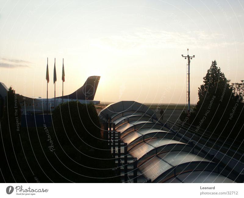 Flughafen Himmel Ferien & Urlaub & Reisen Flugzeug Europa Luftverkehr