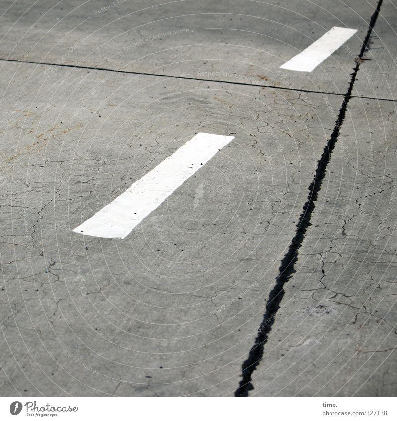 bodenständig | Lieblingsmotiv Stadt Wege & Pfade Linie Design Ordnung Luftverkehr Schilder & Markierungen Perspektive Beton Vergänglichkeit Streifen Sicherheit