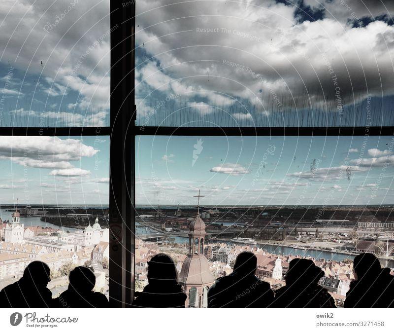 Ansichtssache Frau Erwachsene Mann Freundschaft Paar 6 Mensch Menschengruppe Himmel Wolken Horizont Schönes Wetter Szczecin polnisch Stadt Hafenstadt Altstadt