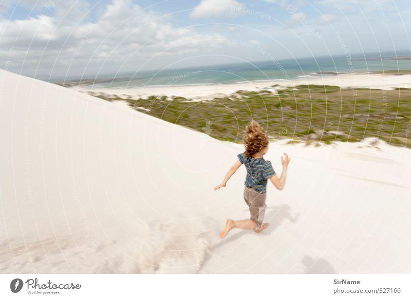 235 [running wild] Spielen Kind Junge 1 Mensch 8-13 Jahre Kindheit Bewegung entdecken laufen rennen springen toben Stranddüne Meer Sandstrand Farbfoto