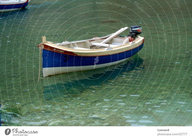Blaues Boot Wasser blau See Wasserfahrzeug Insel Schifffahrt Fischereiwirtschaft Portwein
