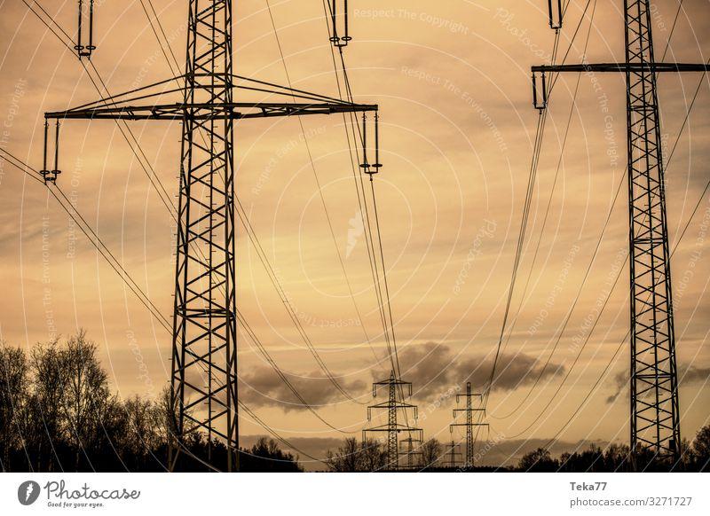 #Hochspannung Winter High-Tech Energiewirtschaft Kernkraftwerk Industrie gelb ästhetisch Hochspannungsleitung Elektrizität Stromleitung Farbfoto Außenaufnahme