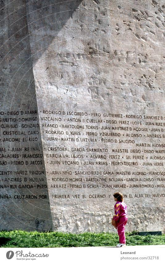 Madrid Denkmal Mensch Kind Mädchen Schriftzeichen Vergangenheit Spanien Text Kunstwerk