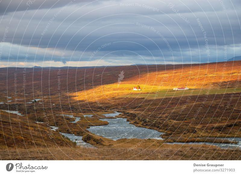 lonely houses in the rugged landscape of Iceland Ferien & Urlaub & Reisen Sommer Umwelt Natur Landschaft Wolken Klima Klimawandel Wetter clouds green Island