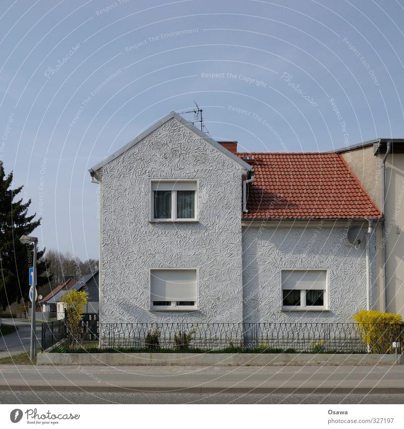 fassadengestaltung einfamilienhaus rotes dach. Black Bedroom Furniture Sets. Home Design Ideas