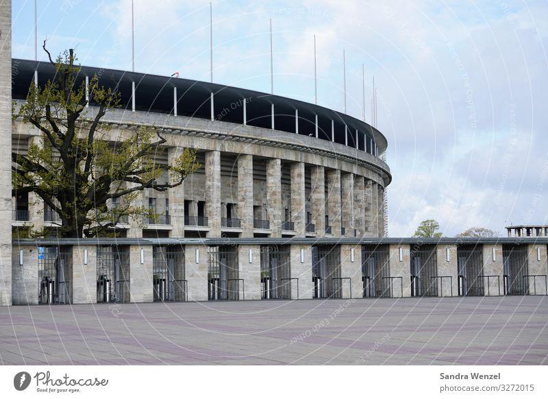 Olympia-Stadion Berlin Deutschland Schwimmbad Bauwerk Gebäude Architektur Mauer Wand Fassade Sehenswürdigkeit Olympiastadion Schwimmen & Baden Spielen Fußball
