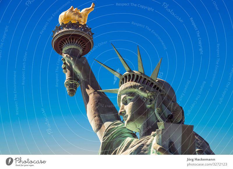 Amerikanisches Symbol - Freiheitsstatue. New York Kultur Himmel Platz Denkmal alt historisch hoch neu grün Selbstständigkeit New York State USA Amerikaner