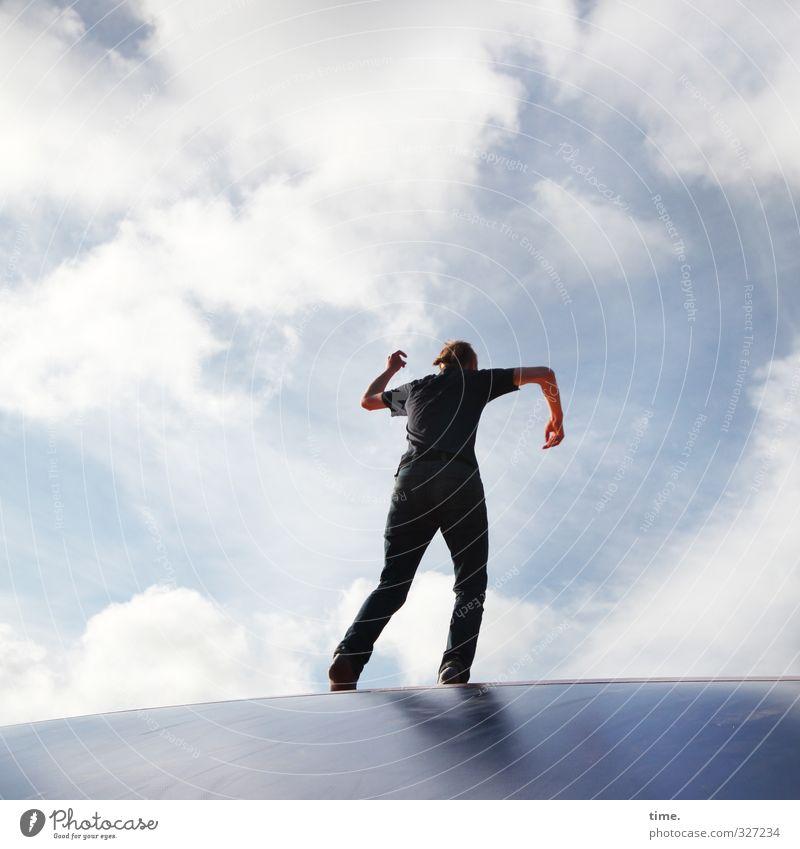 Rømø | cloud dance 1 Mensch Kunst Tanzen Tänzer Tanztheater Himmel Wolken Schönes Wetter Trampolin Sportgerät Fröhlichkeit trendy lustig verrückt Lebensfreude