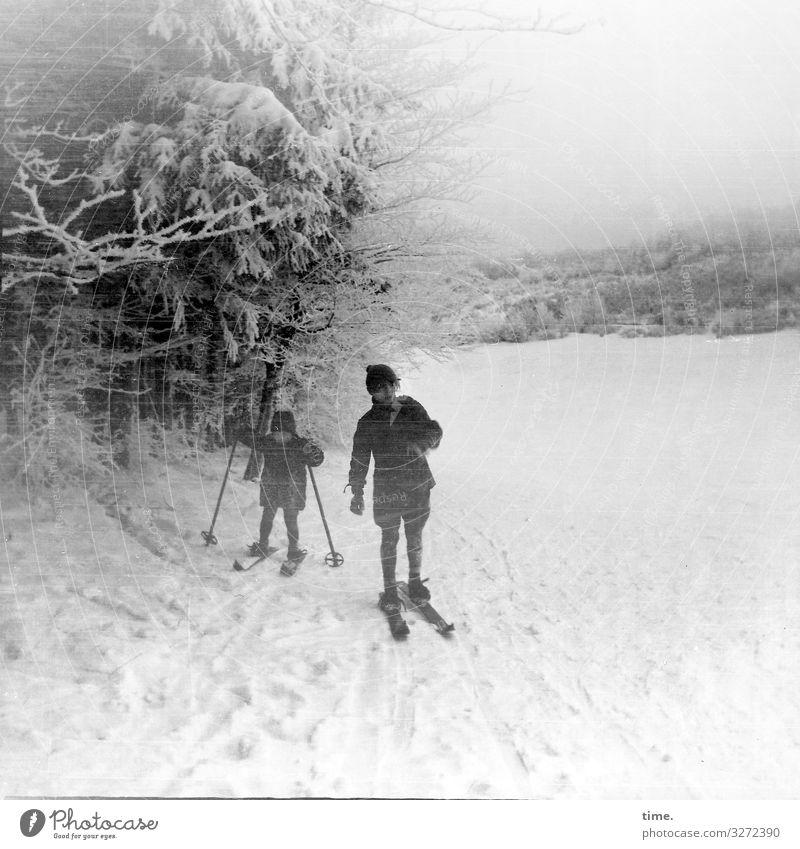 Wintersport Sport Fitness Sport-Training Skier Skipiste maskulin 2 Mensch Schnee Baum Berge u. Gebirge Harz Berghang Hose Jacke Mantel Mütze fahren stehen kalt