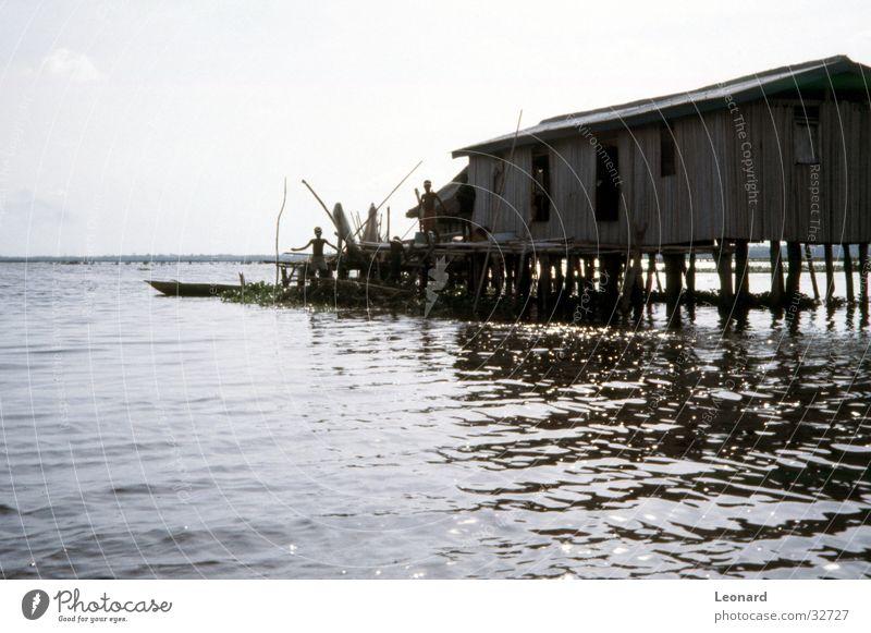 Pfahlbau Mensch Wasser Haus See Wasserfahrzeug Afrika historisch