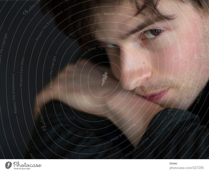 . maskulin Gesicht Nase Hand 1 Mensch Haare & Frisuren Dreitagebart beobachten Blick Wachsamkeit Selbstbeherrschung standhaft Respekt Stolz Gefühle