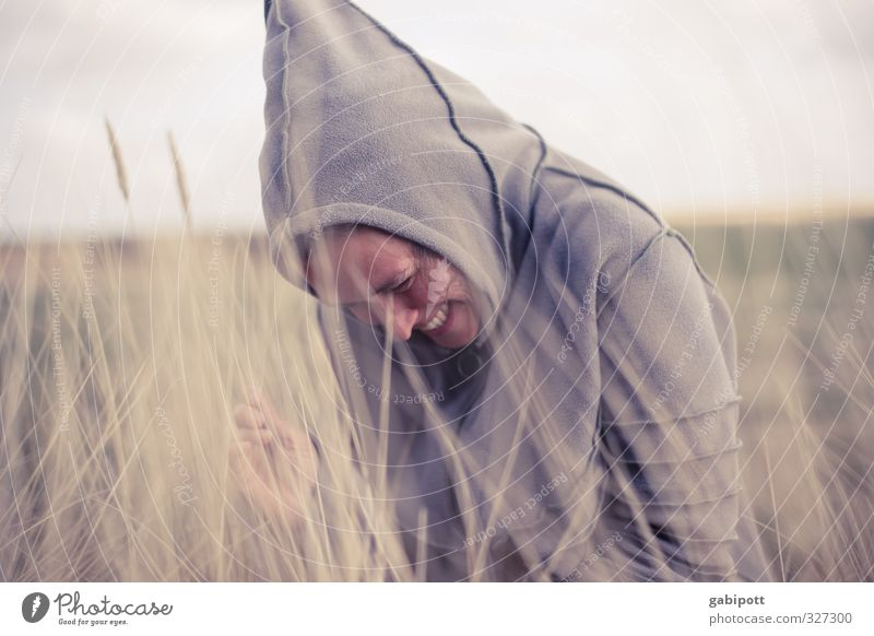 Rømø | wichtelmai Mensch feminin Junge Frau Jugendliche Erwachsene 1 Natur Landschaft Himmel Frühling Wind Gras Sträucher Wiese Nordsee Ostsee lachen Glück