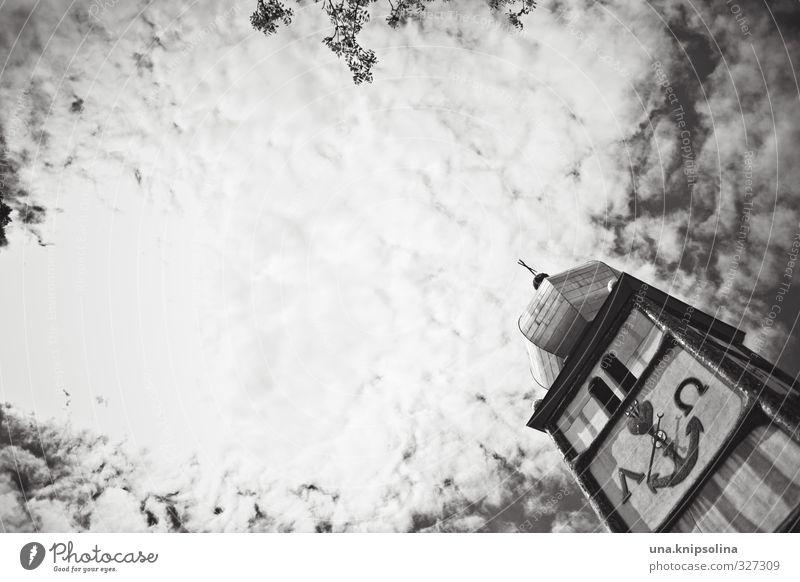 das alpha und das omega Himmel Sonne Wolken Gebäude Religion & Glaube natürlich Fassade wild Kirche Turm Wandel & Veränderung Freundlichkeit Unendlichkeit