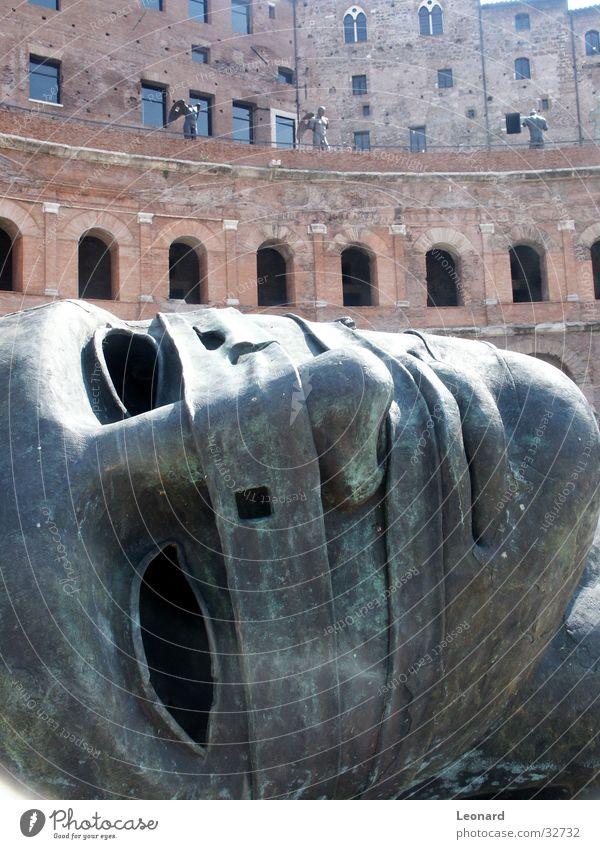 Skulptur 5 Mensch Mann Gesicht Stein Gebäude Kunst Statue Handwerk historisch Skulptur Rom Ausstellung Schädel