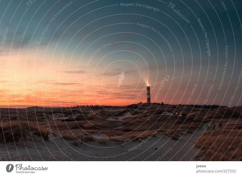 Nachtwache Natur Landschaft Himmel Wolken Horizont Sonnenaufgang Sonnenuntergang Sommer Schönes Wetter Strand Insel Amrum Düne Leuchtturm leuchten alt hell blau