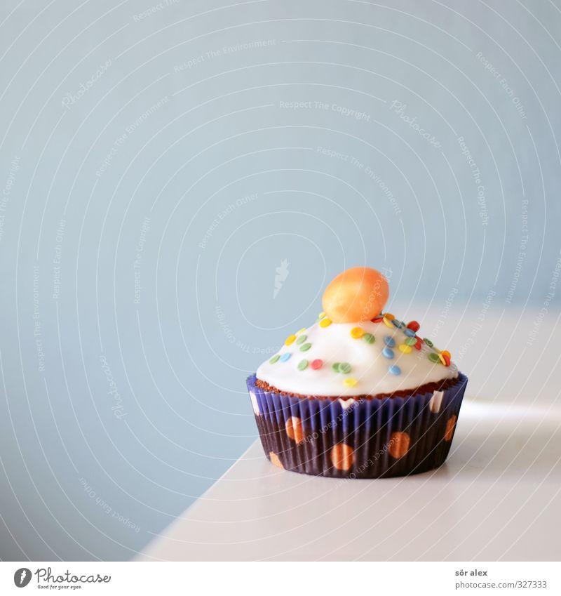 PARTY-ALARM Lebensmittel Kuchen Dessert Süßwaren Ernährung Essen Kaffeetrinken Muffin lecker süß blau Bonbon Törtchen Karies Kindergeburtstag Farbfoto