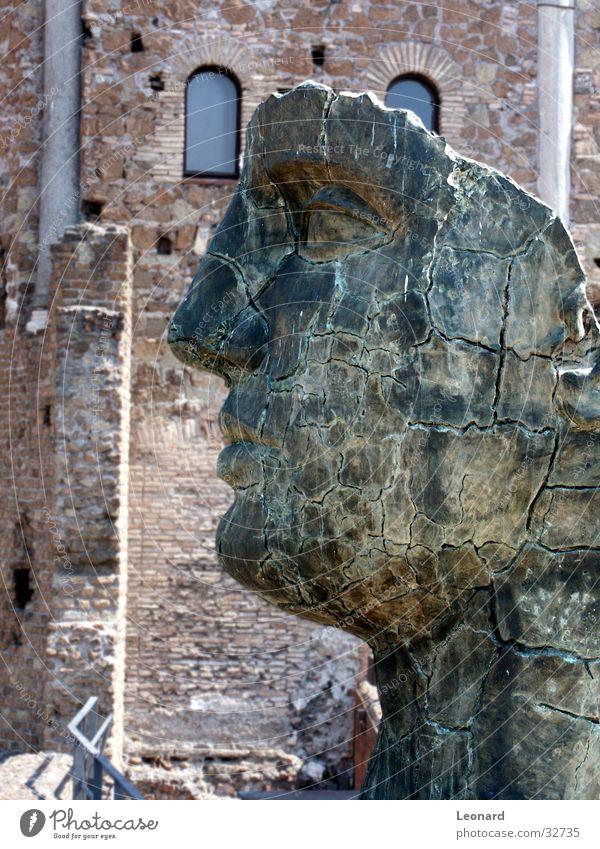 Skulptur 2 Mensch Mann Gesicht Stein Gebäude Kunst Statue Handwerk historisch Skulptur Rom Ausstellung Schädel