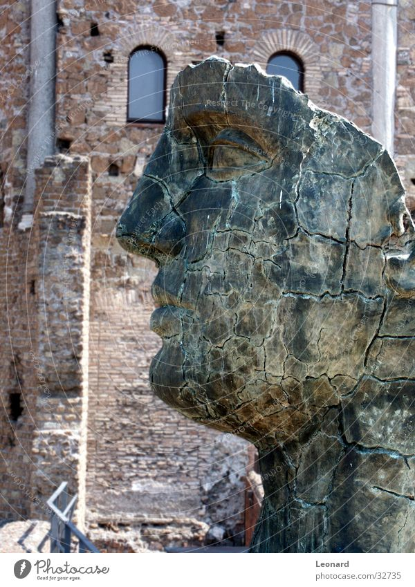 Skulptur 2 Mensch Mann Gesicht Stein Gebäude Kunst Statue Handwerk historisch Rom Ausstellung Schädel